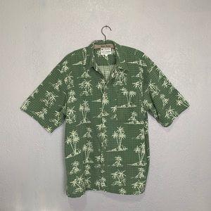 Columbia Hawaiian batik print button front shirt